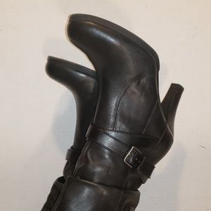 Women's boots 6.5 leather ankle strap Kelly and ka
